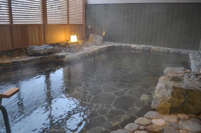 八方の湯 露天風呂